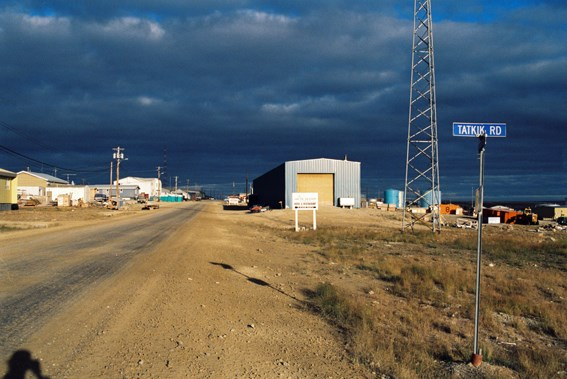 Cambridge bay, glavna ulica...